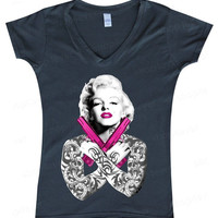 Marilyn Monroe pink Guns WOMAN V-NECK sexy star Monroe love tattoo fashion tee