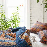 Magical Thinking Circle Medallion Duvet