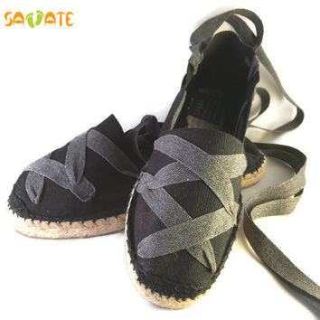 Comfort shoes for women - Espadrilles sewn black with grey laces