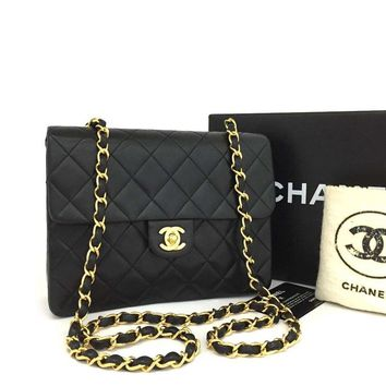 Chanel Classic Flap Quilted Single Black Lambskin 4004 (Authentic Pre-owned)