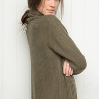 ISABELI TURTLENECK SWEATER