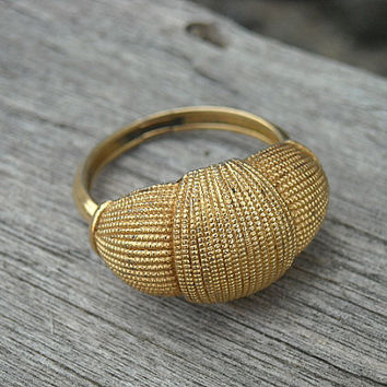 Vintage 1980's Gold Tone Ring by InkandRoses13