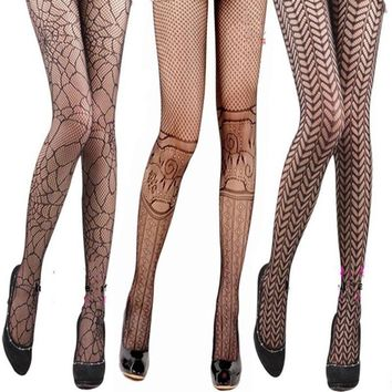 2pcs grid hollow out nets female sexy panty hose Silk stockings tattoo pantyhose Stockings Useful Style Random 2018