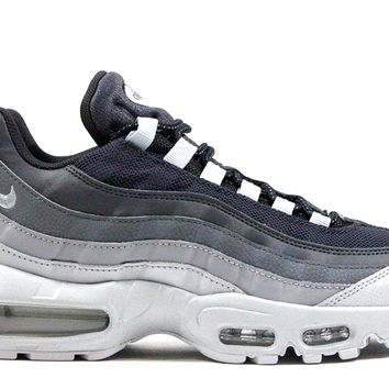 "Nike Air Max 95 Essential ""Wolf Grey"""
