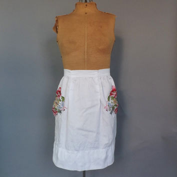 Vintage Sweet 1950s 60s Dress Apron White Floral Apron Cotton Apron Kitchen Diner 50s Housewife Pin Up Girl Kitsch Vintage Accessories