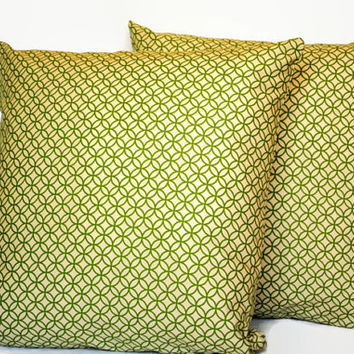 Set of 2 Green Geometric PIllow Covers // GreenThrow Pillows // Geometric Couch Pillows // Green Home Decor