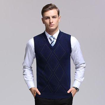 Free shipping high quality mens fashion argyle intarsia sweater vest v-neck diamond plaid pattern wool vest