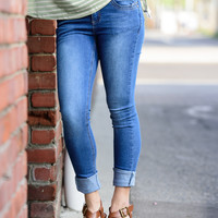 LIGHT WASH SKINNY JEANS