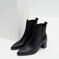 BLOCK HEEL LEATHER ANKLE BOOTS WITH STRETCH DETAIL New