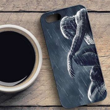 Spiderman 3 Rain iPhone SE Case