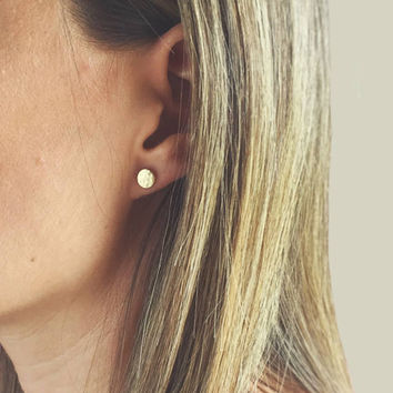 Hammered Circle Studs // Textured // Minimalist Stud Earrings // Minimalist Jewelry // Stud Earrings // Circle Studs // Simple Studs //