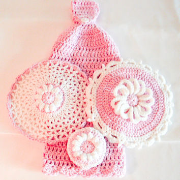 Pink Crochet Kitchen Set - Hanging Dish Towel - Lace Washcloth - Daisy Potholder - Daisy Dish Scrubbie