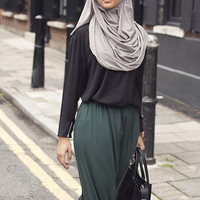 BLACK CREPE TOP - $40.64 : Inayah, Islamic clothing & fashion, abayas, jilbabs, hijabs, jalabiyas & hijab pins