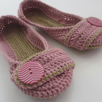 Women's Crochet Slippers - Button Tab Slippers - Women's sizes 5 6 7 8 9 10 - custom made - toddler - Orchid Pink sand