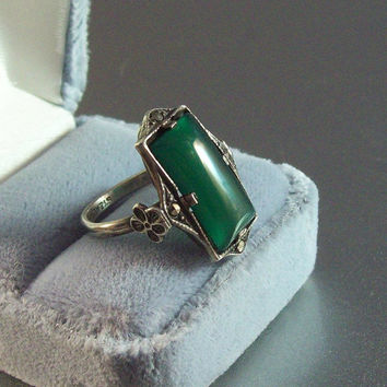Vintage Art Deco Sterling Chrysoprase Ring, Marcasite Dogwood Accents, Size 4.5