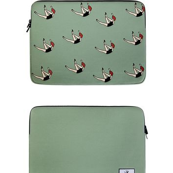 Falling Neoprene Laptop Sleeve | Macbook 13""