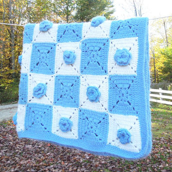 """Vintage blue white crochet afghan throw lap-blanket with blue flowers 53"""" x 36"""""""