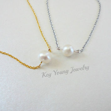Small pearl necklace, Single pearl necklace, Wedding gift, Bridesmaid necklace, Simple everyday jewelry