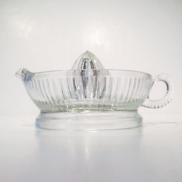 Vintage Clear Glass Juice Reamer, Anchor Hocking Clear Glass Ribbed Juicer Reamer, Clear Glass Juicer Reamer with Handle and Pour Spout Mint