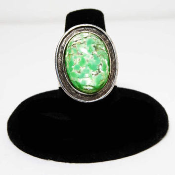 Green Art Glass Ring - Oval Foil Glass Silver Adjustable osfa or most Signed DE Luxe NYC A'Dam 1960s 1970s MOD Fashion Style Vintage Costume