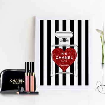 COCO CHANEL PERFUME,Makeup Bathroom Art,Fashion Art,Girly Print,Glitter Heart Print,Chanel Perfume Bottle no5,Teen Girls Room Art,Glam Room