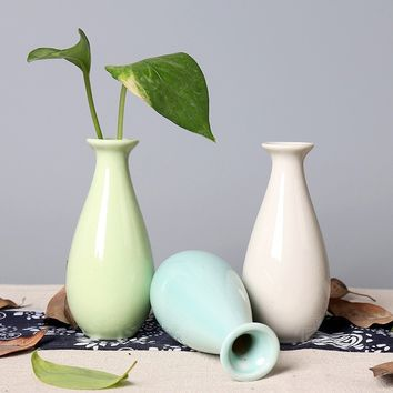 Modern Small Ceramic Flower Vase Tabletop Plant Container for Home Office Cafe Decor