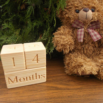 Wooden age blocks, Baby age blocks, Wooden blocks, Baby month blocks, Photo props, Baby milestones blocks, Baby shower gift, DIY