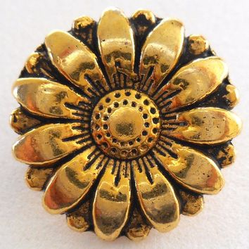 One antique brass decorative sunflower shank button, 17mm, C7111