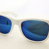Wayfarer Dark Smoke Lense Retro Sunglasses for Men or Women- Classic Style