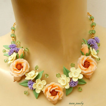 Pastel jewelry - Flower necklace - Spring jewelry - Lisianthus - Narcissus - Handmade necklace