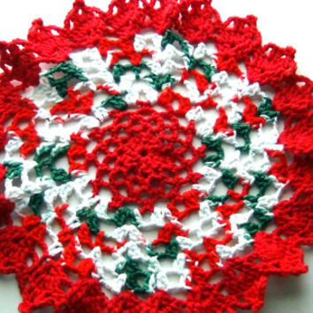 Christmas Doily, Table Mat, Red and Green Doilies, Gift Ideas