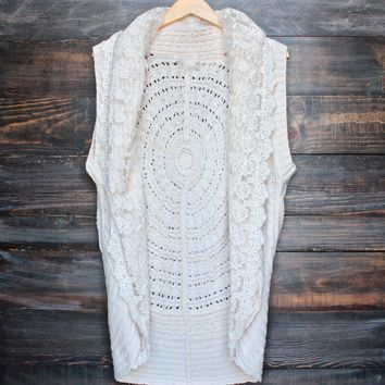 boho open front knit vest with lace in cream