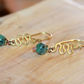 Green Agate Earrings, Small Gold Dangle earrings. stone jewelry.