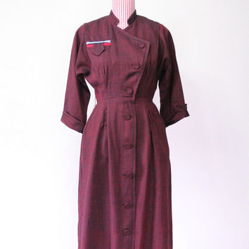 1940s Dress / VINTAGE / Red / WW2 Era / Oxblood / Fabric Covered Buttons / Pockets / RARE