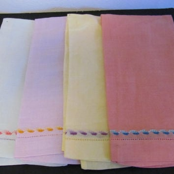 Linen Napkins Set of 4 Cross Stitched Design Pastel Napkins