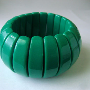 Wide Vintage Forest Green Lucite Boho Stretch Bracelet / Chunky / Expandable / Segmented / Jewelry / Jewellery