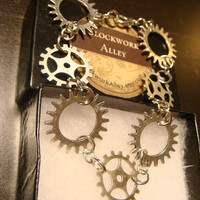 Antique Silver Medium Gears and Cogs Steampunk Bracelet (1403)