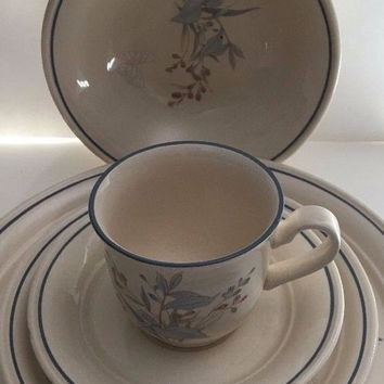 Noritake Kilkee Keltcraft 4 Piece Set in Cream w/ Blue & Pink Plants Butterfly