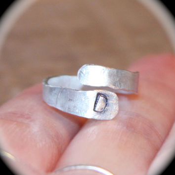 Initial Ring, Personalized Ring, Adjustable Hammered Toe Ring, Midi Ring, Aluminum Ring, Handmade Ring, Birch Bark Design