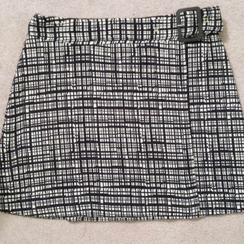 Vintage 90's Clueless Style Mini Skirt Express Tricot Black & White Plaid Design with Belt