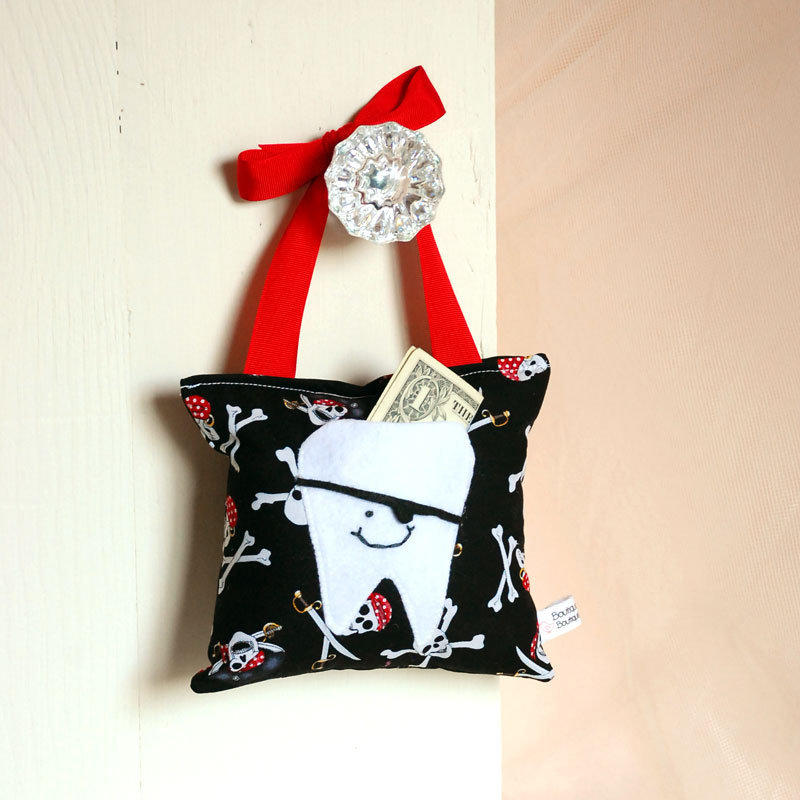 Pirate Tooth Fairy Pillow on Luulla