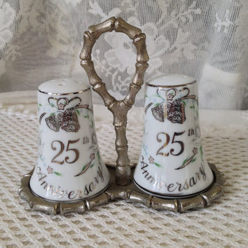 Lefton 25th Anniversary Shaker Set White Gold Accents, Silver Bamboo Caddy, 05397, Vintage Keepsake Collectible, Gift Set