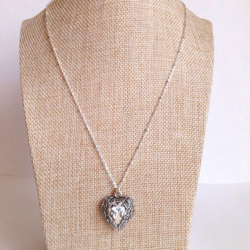 Wing Crystal Necklace. Silver Wing Necklace with Rhinestone. Heart Necklace