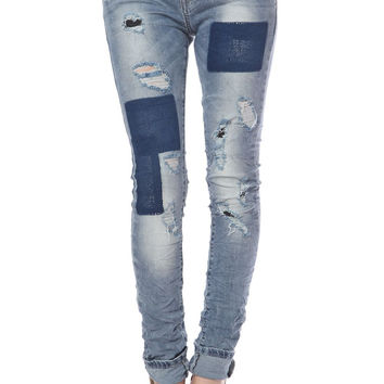 Skinny jeans with patches
