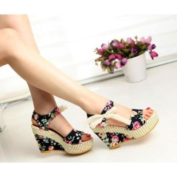Lace Bow Wedges