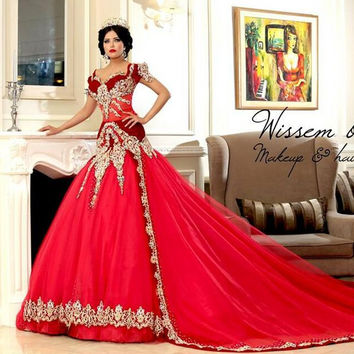 Vintage Cap short Sleeves Red Evening Dresses Gold Lace Appliques Beaded Long Caftan Dubai Arabia Evening Gown Prom Dresses