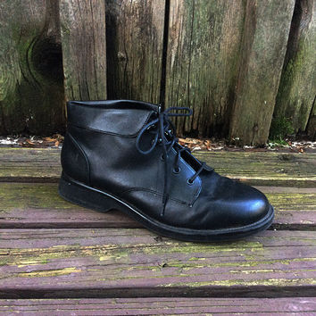 Vintage 90s Foldover Ankle Boot  |  Black Vegan Leather Lace Up Boot  |  Size 8.5  |  Hipster Grunge Witchy Granny Booties