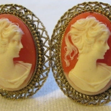 Large Cameo Clip On Earrings Estate Costume Jewelry Like New Gold Tone