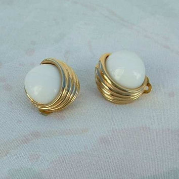 Panetta Retro Mod Captured Cab Clip Earrings Vintage Jewelry