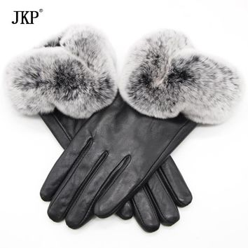 2017 Genuine Sheepskin Genuine Women Winter Warm Gloves Women Real Sheepskin Rabbit Fur Fashion High Quality Windproof Velvet